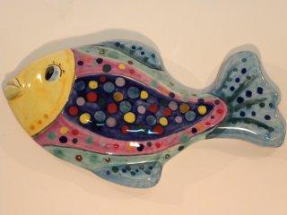 """( CODICE ARTICOLO: AS/10) Pesce modello """"Baltico""""da parete realizzati e dipinti a mano . Tecnica: maiolica"""
