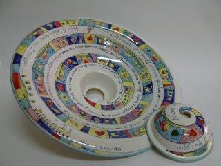 ( CODICE ARTICOLO: ILL/11) Lampadario in ceramica a sospensione con decoro pessoa.Tecnica: maiolica