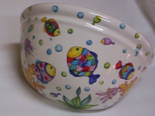 ( CODICE ARTICOLO: ILL/09) Applique in ceramica da parete decorato a mano con pesci tropicali.Tecnica: maiolica