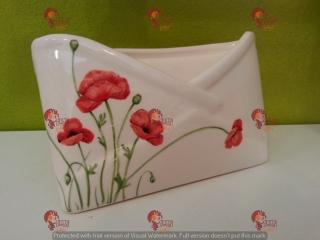 (CODICE ARTICOLO: PL/17) Portalettere da tavolo, dipinto a mano con papaveri. Tecnica: maiolica