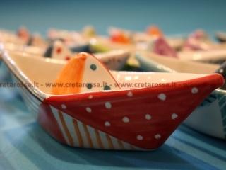cod.art: pe06a - Barchette in ceramica dipinte a mano. Ne vorresti una simile? Invia una richiesta e riceverai il preventivo con le spese di spedizione.