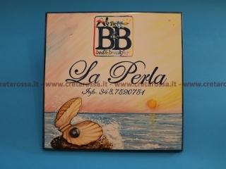 cod.art: bb36a - Mattonella in ceramica cm 30x30 con decoro e scritte personalizzate in base alla richiesta del cliente . Ne vorresti una simile? Invia una richiesta e riceverai il preventivo con le spese di spedizione.