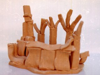 """""""Al Parco""""; Lavoro realizzato all'interno del laboratorio;Autore: S.M. Tecnica: scultura in terracotta"""