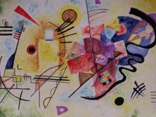 """""""Giallo-rosso-azzurro"""" di W. Kandinskij - Piatto da 30 cm. di diametro  - particolare; Lavoro realizzato all'interno del laboratorio; Autrice: Danila D. Tecnica: Maiolica."""