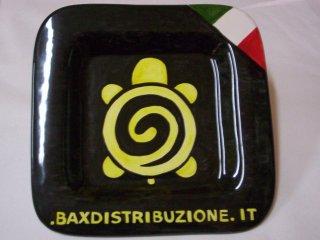 (CODICE ARTICOLO: AZ/21) Oggettistica personalizzata con logo aziendale.Tecnica: maiolica
