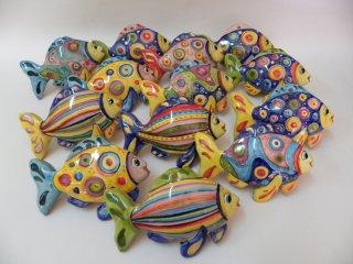 """( CODICE ARTICOLO: AS/04) Pesci in ceramica modello """"Egeo""""da parete realizzati e dipinti a mano . Tecnica: maiolica"""