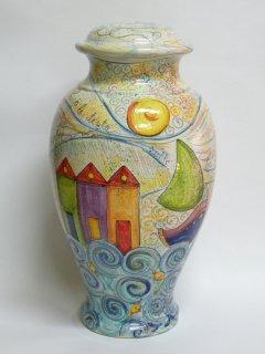 """( CODICE ARTICOLO: ILL/03) Base per lume in ceramica dipinta a mano con decoro di """"casotti e barche"""". Tecnica: maiolica"""