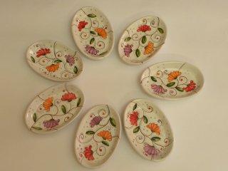 """(CODICE ARTICOLO: VAR/30) Vassoi ovali in ceramica dipinti a mano con il motivo """"fiori di cera"""""""