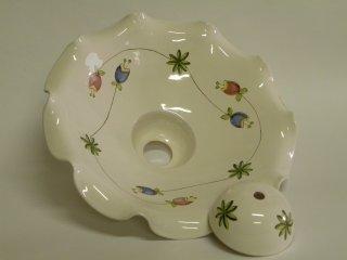 ( CODICE ARTICOLO: ILL/15) Lampadario in ceramica dipinto a mano con decoro fornito dal cliente. Tecnica: maiolica