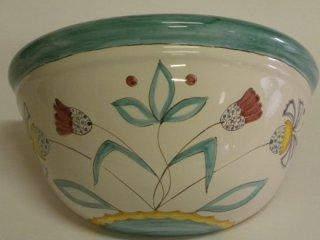 ( CODICE ARTICOLO: ILL/12) Applique in ceramica da parete decorato a mano con motivo fornito dal cliente.Tecnica: maiolica