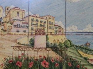 (CODICE ARTICOLO: HI/17) Pannello in ceramica, dipinto a mano, raffigurante il borgo antico di Vasto. Tecnica: maiolica